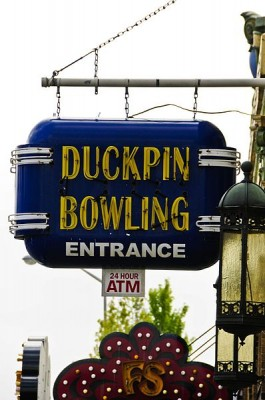 398px-Atomic_Duckpin_Bowling_Entrance